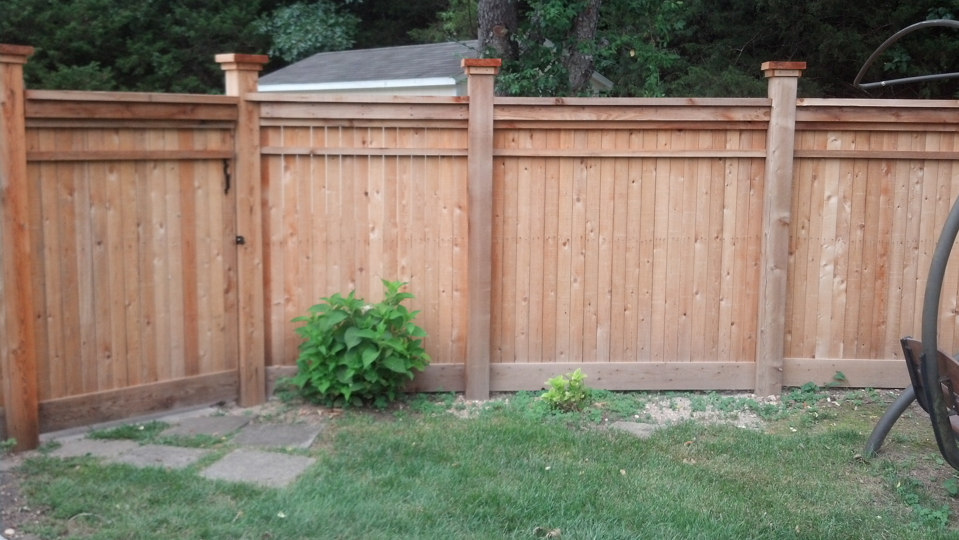 Privacy fence w bar y fence co springfield mo for Fences privacy