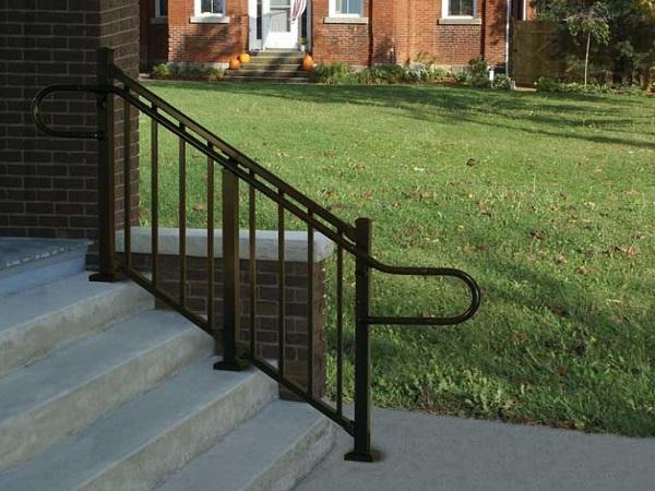 Westbury-Continuous handrail