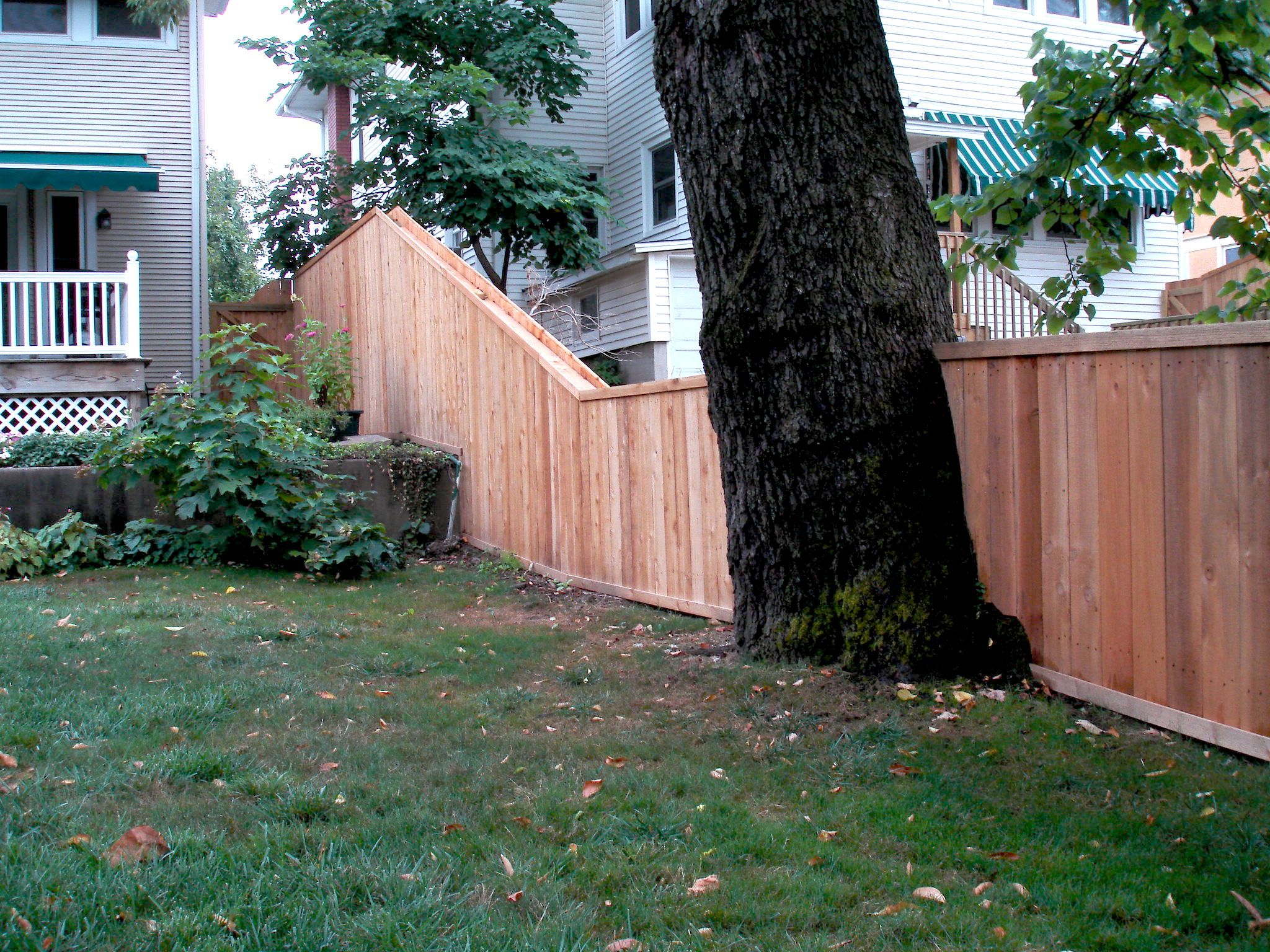 wood fence w bar y fence company