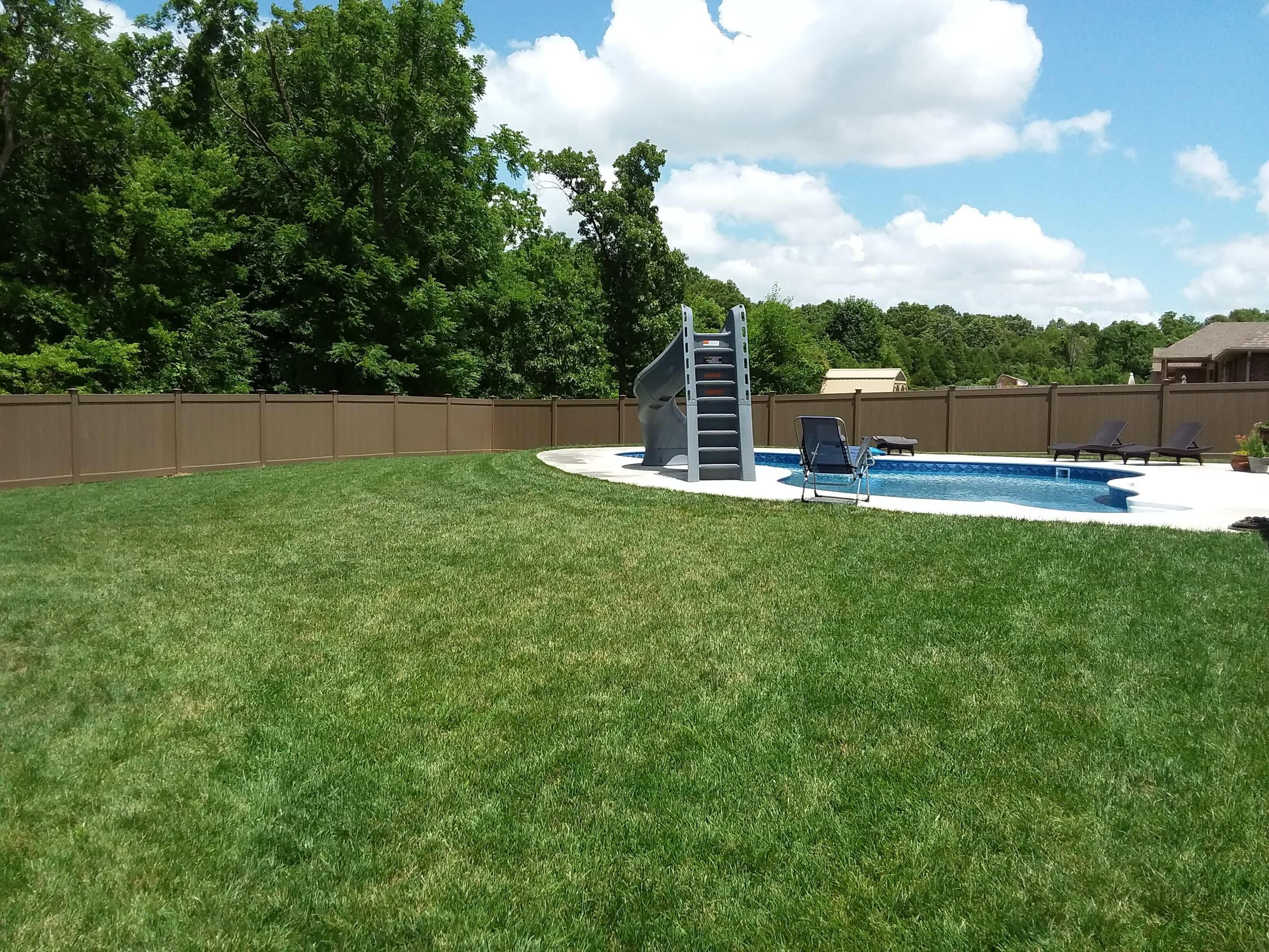 Pool fence (2)-min